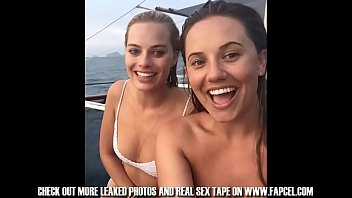 margot robbie total collection of nude and bare.