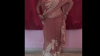gigantic mounds aunty dressed in saree