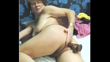 gorgeous grandmother uses faux-cock fucktoy buttfuck.