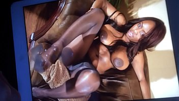 cash-shot on jada fires feet