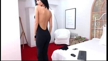 wwwdirtycamsgirlscom - raven haired hotty flashes off on.