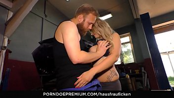 hausfrau ficken - raunchy housewife cheats and gets.