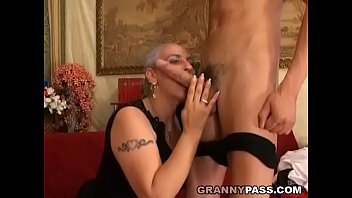 grandmother expereinces buttfuck with youthfull thick.