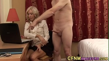 cfnm cougar very first-timer wanks