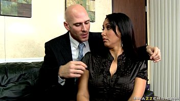 biz girl humps manager starring isis love from.