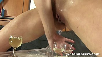 rachel evans pissing into her own face while.