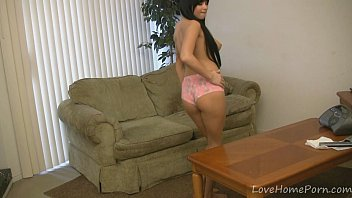 yam-sized-titted web cam lady dancing in.