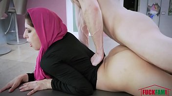 nikki knightly in wild hijab lady exposes her bunghole