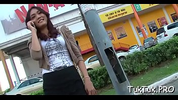 killer chinese chick demonstrates her awesome bod and.