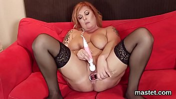 bitchy czech nubile opens up her taut crevasse.