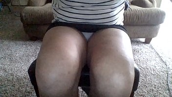 yummy upskirt in the date apartment