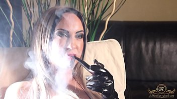 smoking pecker clarissa