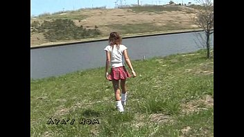 japanese sleek-shaven slut039_s public piss