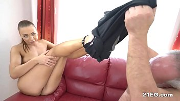 uber-sexy stunner bangs with an aged.
