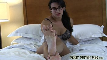 spoil and adore my xxl magnificent size 8 feet