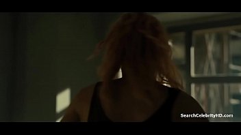 mackenzie davis displaying jugs in blade.
