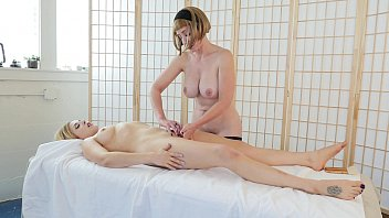 blondes trish and starlette milking