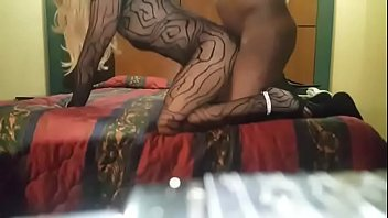 youthfull crossdresser gets creampied and completes.