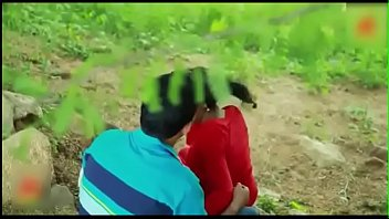 indian supah hot school lady romance in outdoor.
