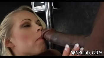ebony wench with supreme chubby culo enjoys to.