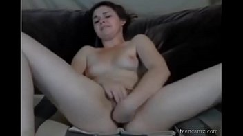 her first-ever climax on webcam witness her on damsels-69com
