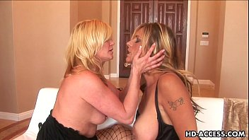 ginger lynn and debi diamond make saucy lezzie love