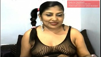 indian aunt stretch bung on cam