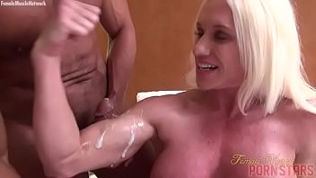 bare lady bodybuilder muscle boinking cum-shot