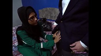 desperate arab victoria valencia blows guys.